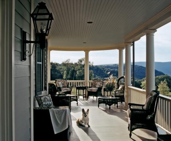 Entertaining porch