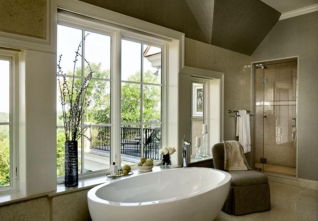 Tub with Window Ledge