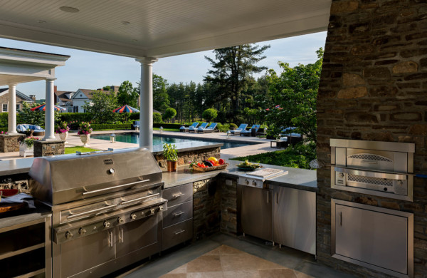 Outdoor Kitchen-The Working Side