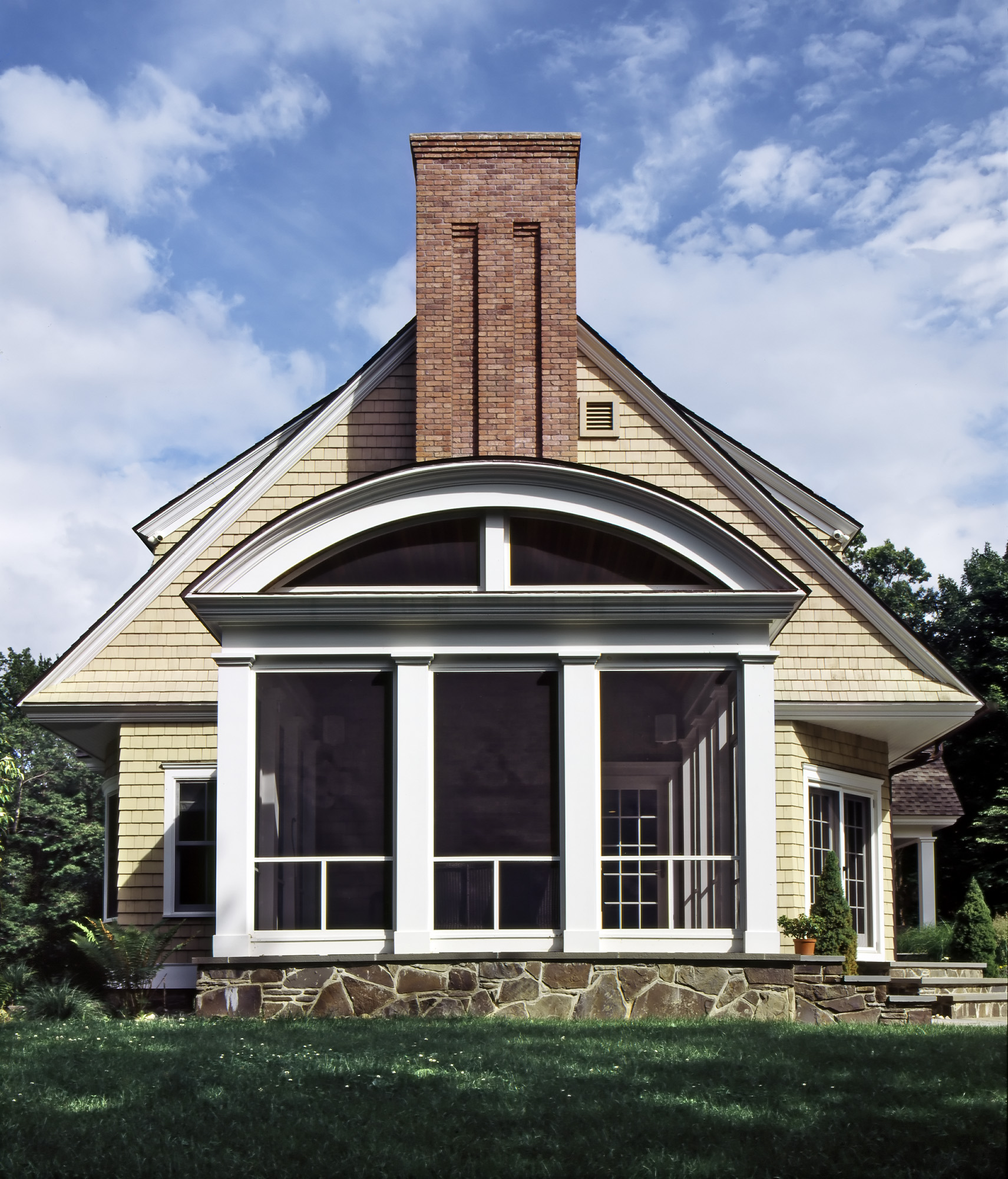Screened Porch with Curved Roof