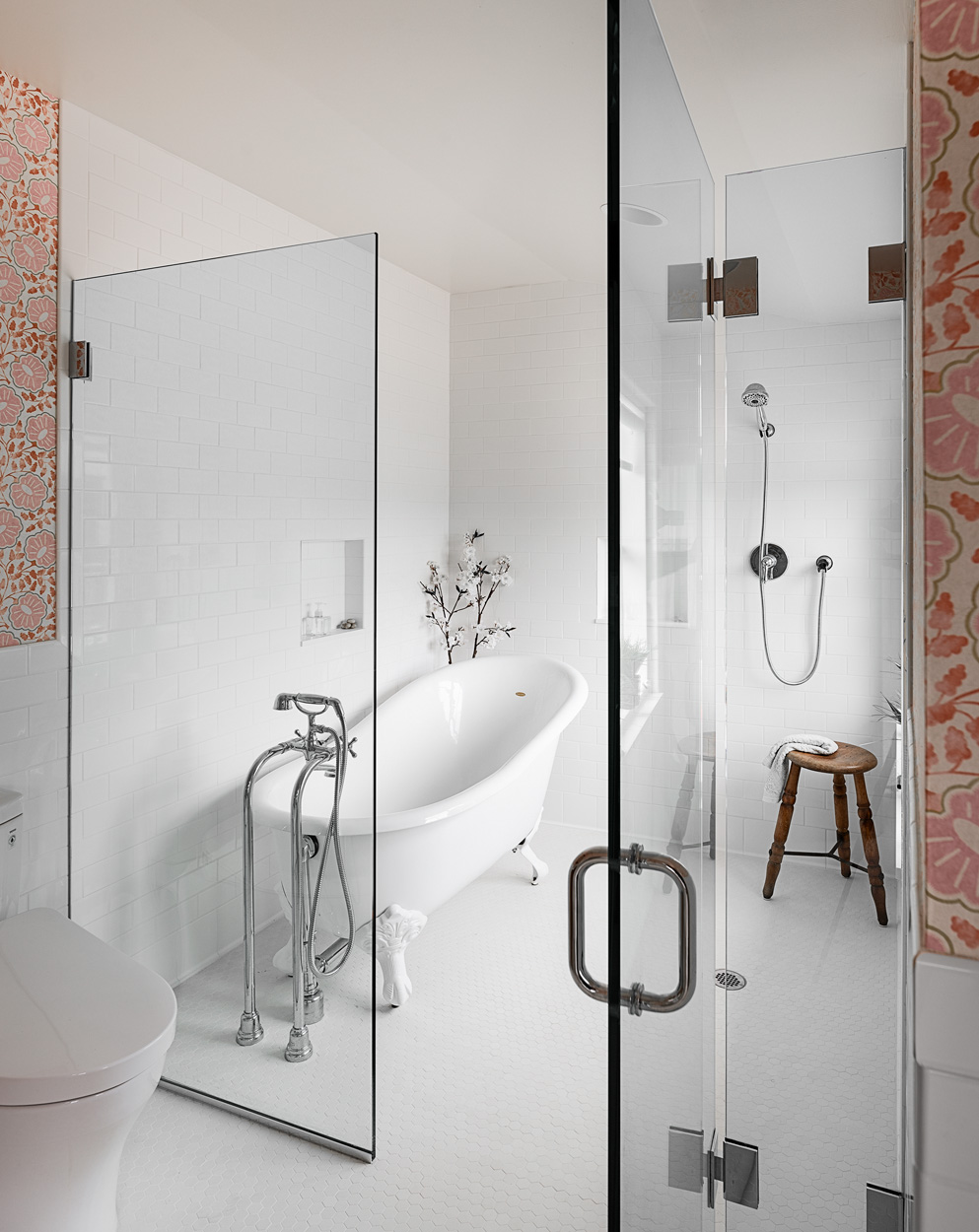 Tub and Shower Room